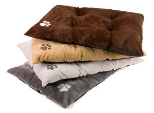 DMC Tufted Furry Pet Bed Soft with Paw Embroidery Display 24ea/27 in X 36 in