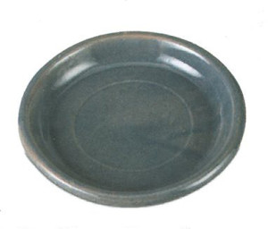New England Pottery Saucer Dark Grey Leather 3ea/13.75 in