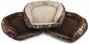 Realtree Max5 Box Pet Bed Assorted Display 8ea/25 in X 21 in